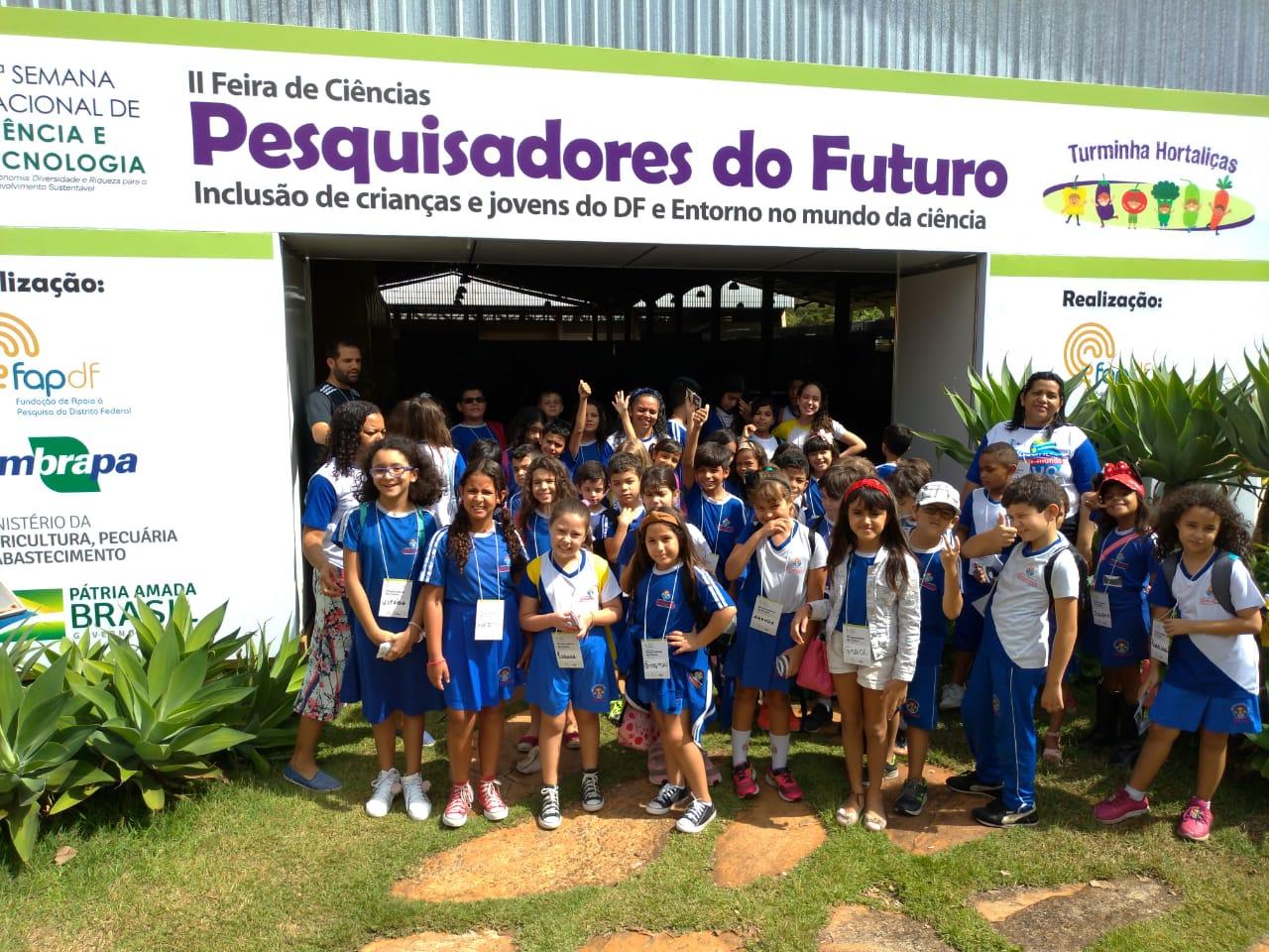 Alunos do Infantil I, visitam a Feira de Pesquisadores do Futuro